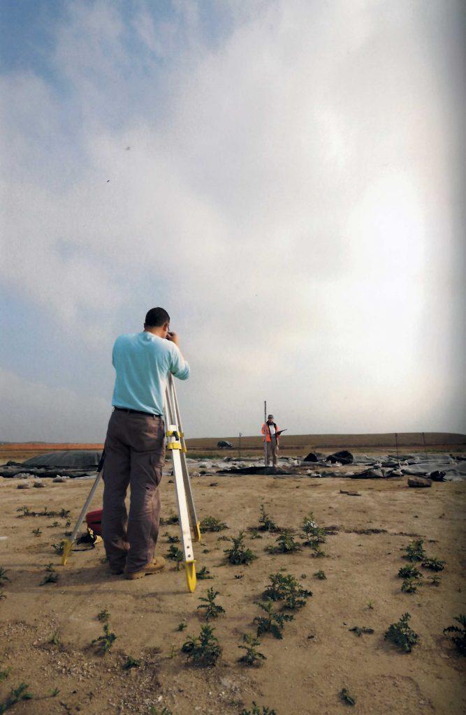 Topografia: trabajo de topografía en yacimientos arqueológicos